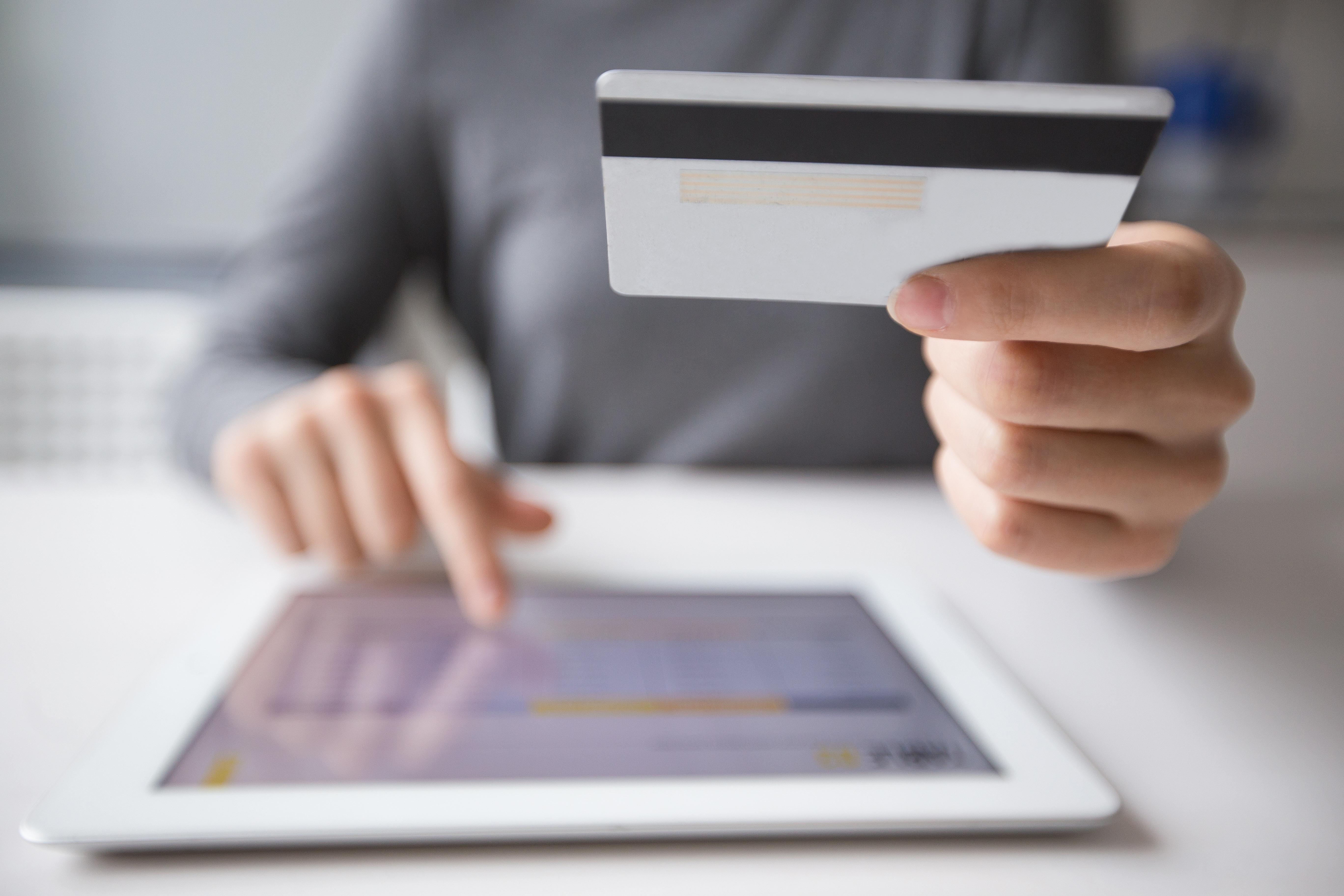 Kasy fiskalne – obowiązek złożenia oświadczenia dotyczącego zasad prowadzenia ewidnecji przez pracowników